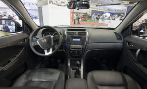 Geely-Emgrand-X7-2013-salon