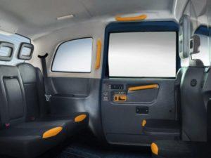 Такси Geely TX4 - удобный салон